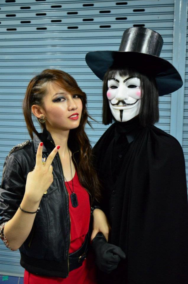 V For Vendetta Costume  sc 1 st  movieweb & V For Vendetta Costume 84290 | MOVIEWEB