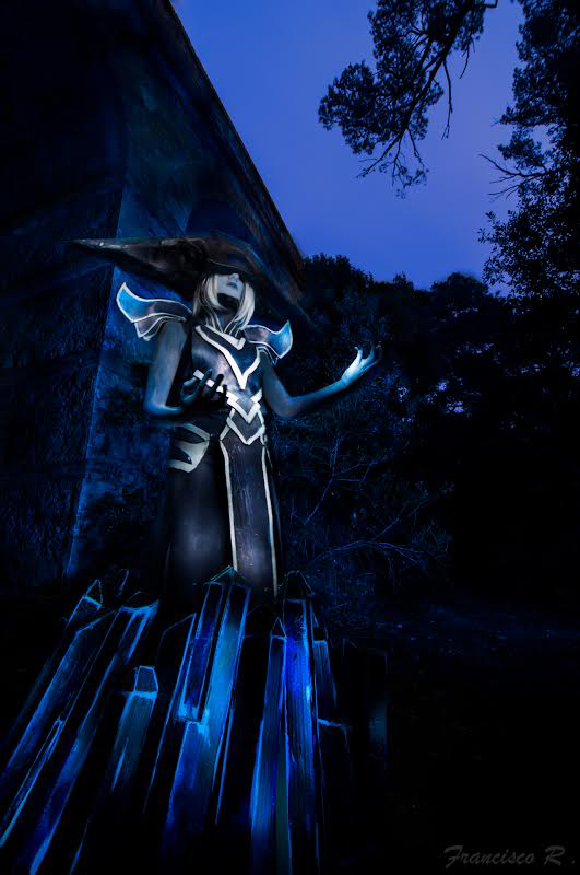 Lissandra Cosplay with Lightpainting by Oreiria on DeviantArt