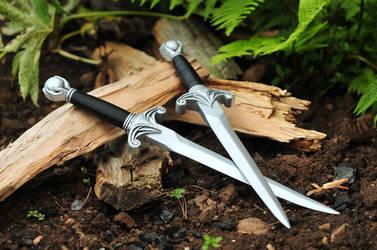 Mother Confessor Replica Daggers