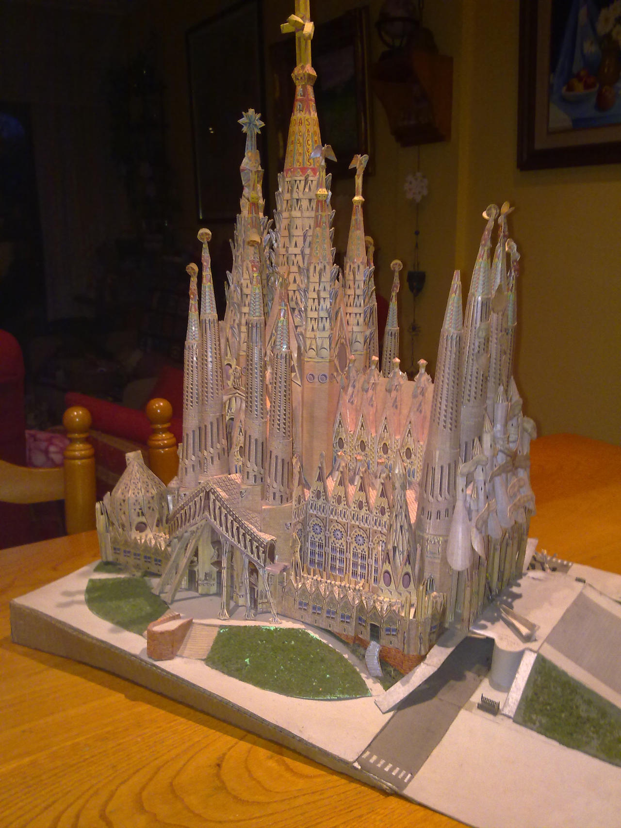 Sagrada Familia completed papercraft 01 by Cuenk89
