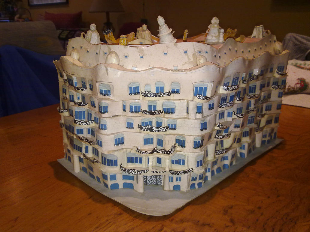 Casa Mila papercraft by Cuenk89