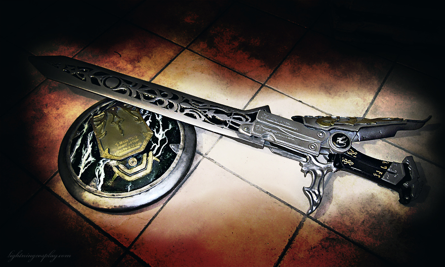 Sword and Shield of Etro -Final Fantasy XIII 2- by LightningTheArtist