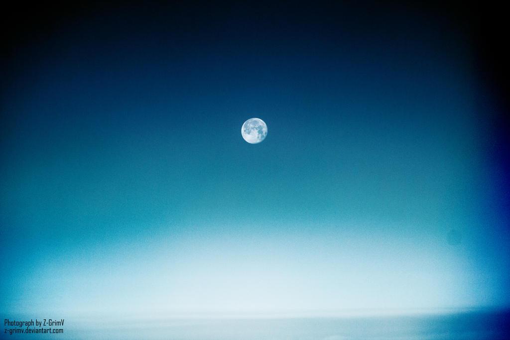 My little daylight moon by Z-GrimV