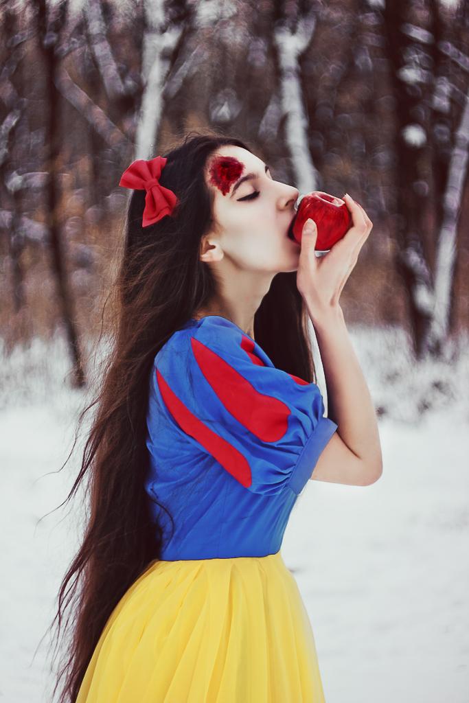 zombie snowwhite by Anna1Anna