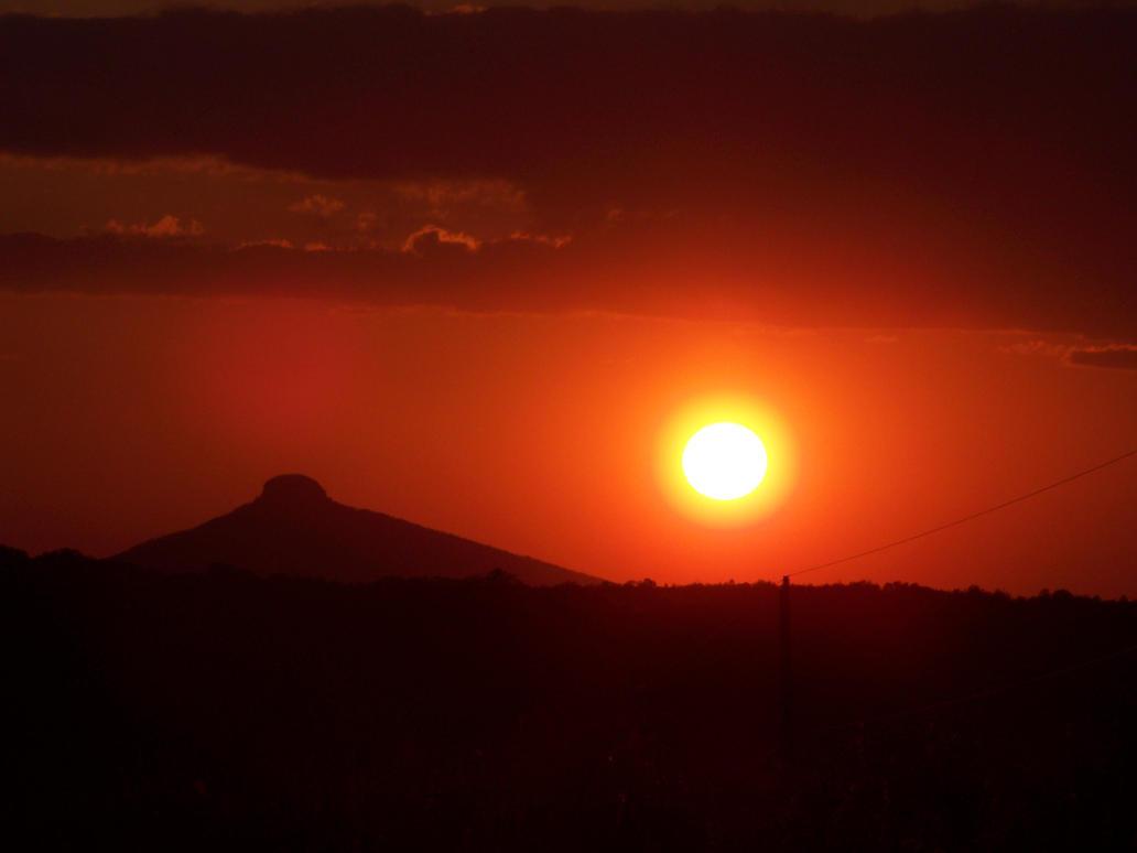 Sunset-Pilot Mountain NC 2 by seiyastock