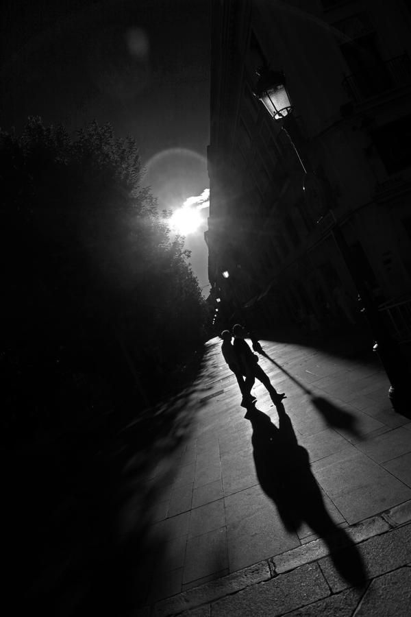 Walk in my shadows (3) by DormirReverPeutEtre