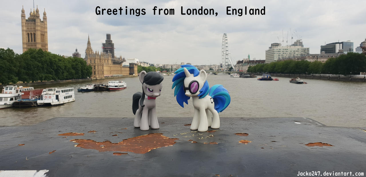 Vinyl Scratch and Octavia in London by Jacko247