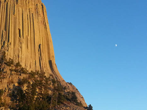 Moon and Devil's Tower