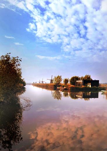 Morning on the Kinderdijk, Holland by RicksCafe