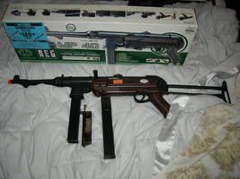 airsoft mp40 by KCjones707