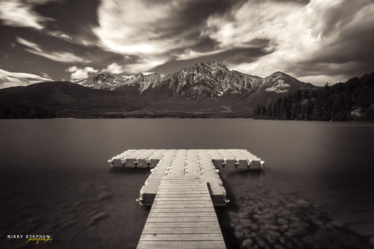 Pyramid Lake, Jasper National Park by djniks97