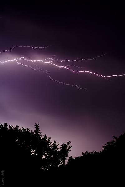 Je veux voir... Lightning_by_jrrj