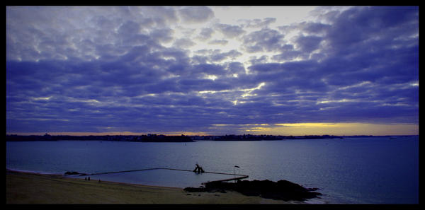 Piscine de saint malo by leewoojin on deviantart for Piscine a saint malo