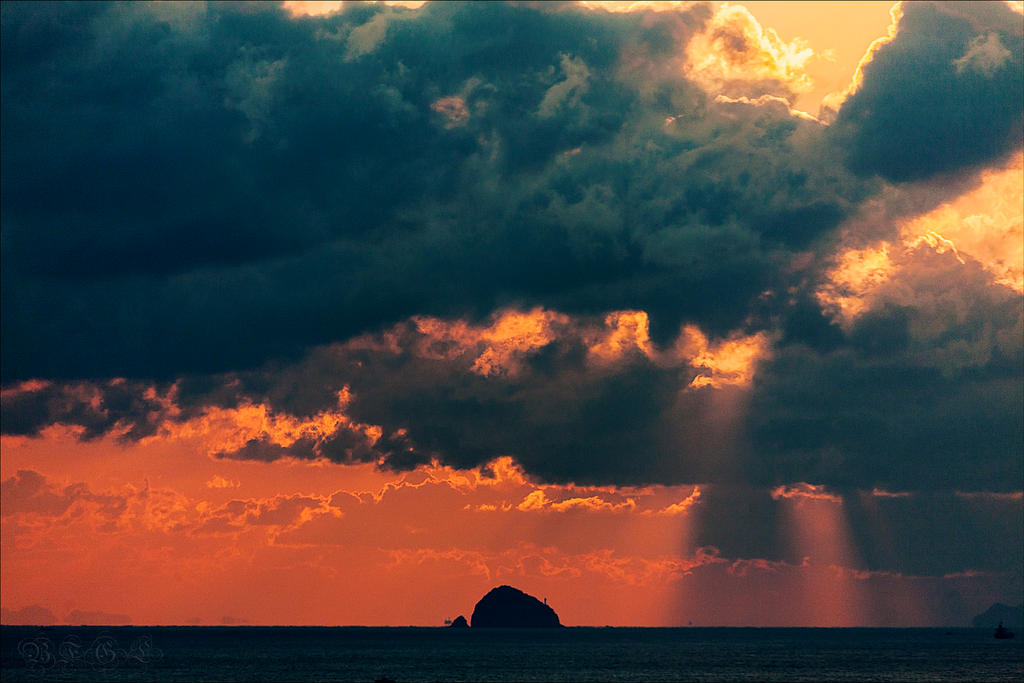 Grainy Sunrise by BFGL