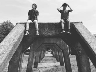 Just boys and Summer by rontusikiyu3