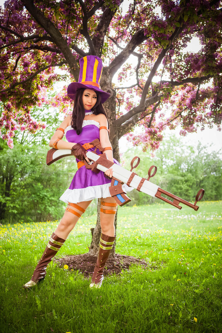 Caitlyn Cosplay (League of Legends) by QTxPie on DeviantArt