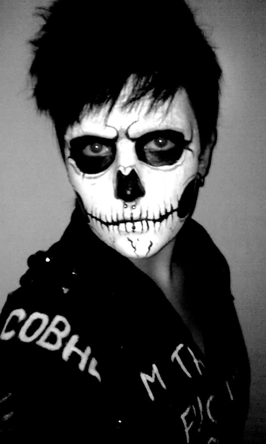 Skull facepaint by RedondoBloodpaw on DeviantArt Sugar Skulls Face Paint Black And White