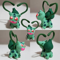 Shiny Bulbasaur Loves You! Pokemon Sculpture