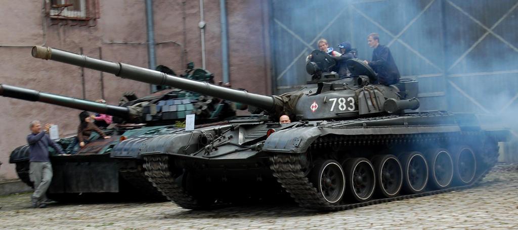 T 72 M by c4mper