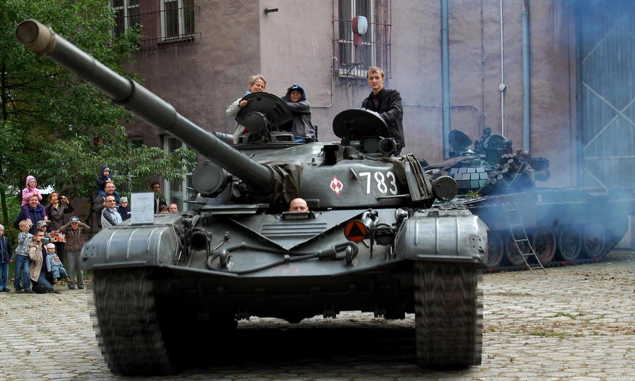 T 72 - M by c4mper