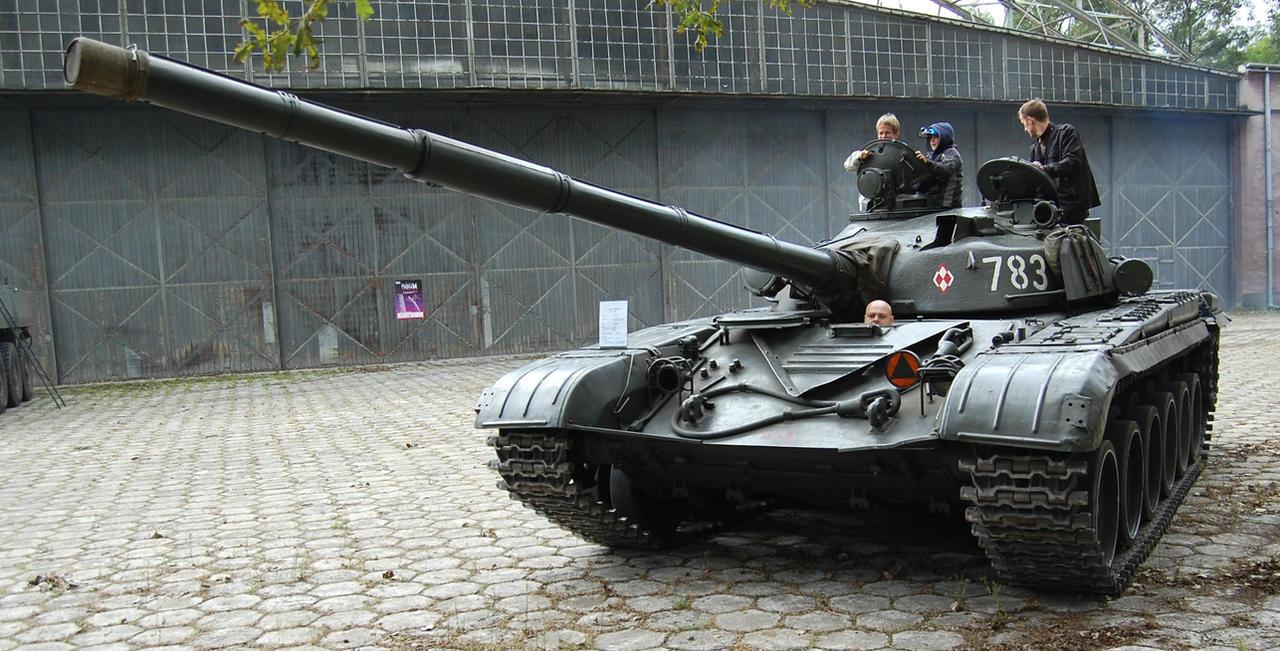 T - 72  M by c4mper