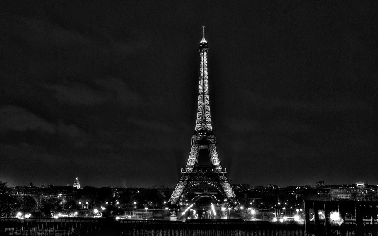 Paris city of love Paris_2560_Eiffel_tower_BW_by_tezdesign