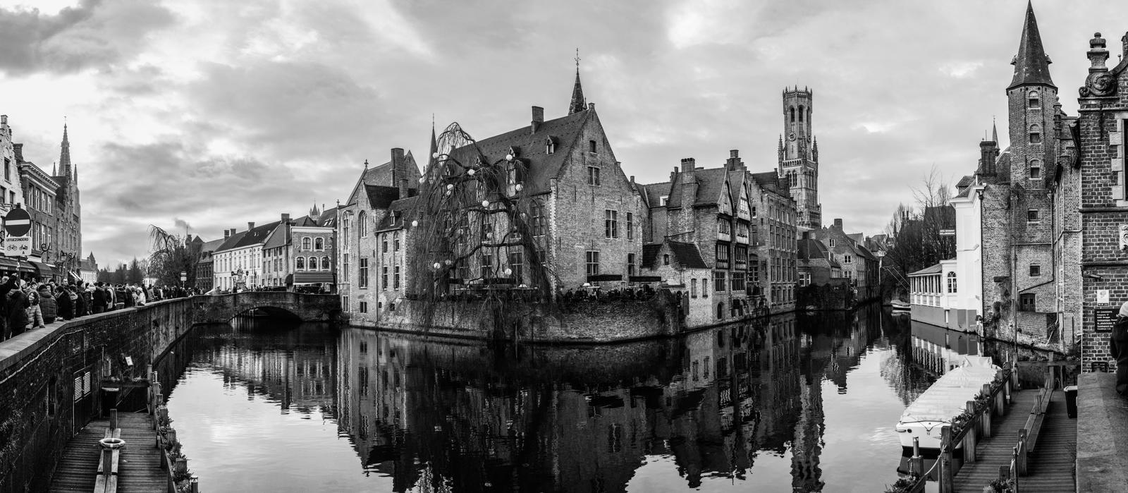 Brugge - 3 BW by VooDooMania