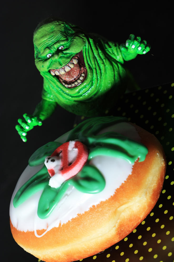 slimer_and_the_ghostbuster_doughnut_by_d