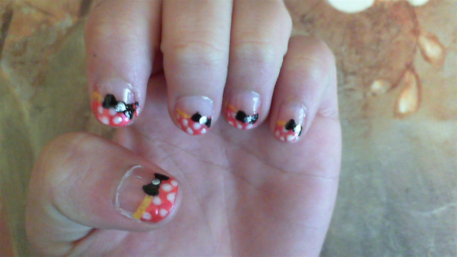 Minnie Mouse Nail Art By Thellamadreamers On Deviantart