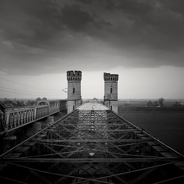two towers by l3ni