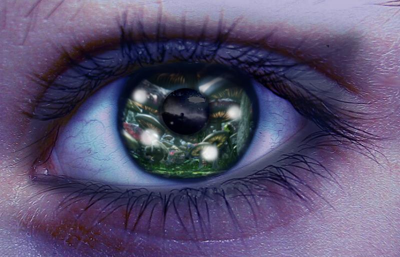 Heavenly eye by FernandaSantana