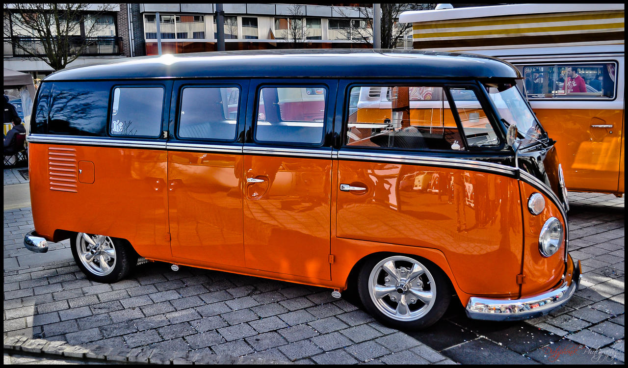 dkg_bus_by_dirtyphonik-d4tog0f.jpg