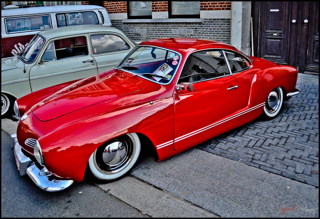 red_stance_by_dirtyphonik-d4uv9ce.jpg