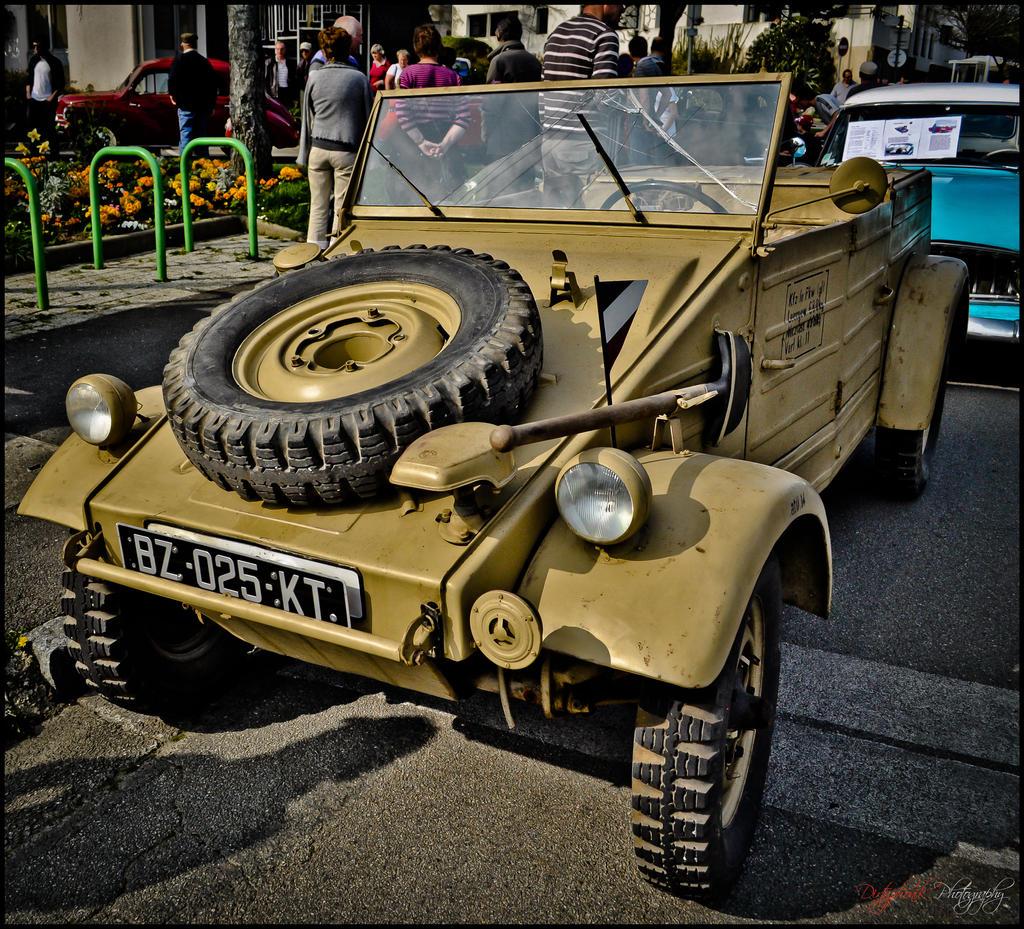 kubelwagen_by_dirtyphonik-d4uyoak.jpg