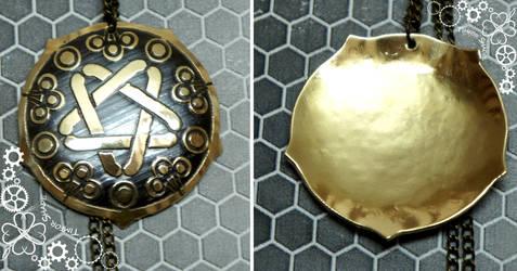 Yennefer of Vengerberg Witcher amulet pendant