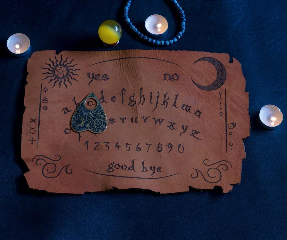 Ouija Board and Ouija Pin to call spirits by TimforShade