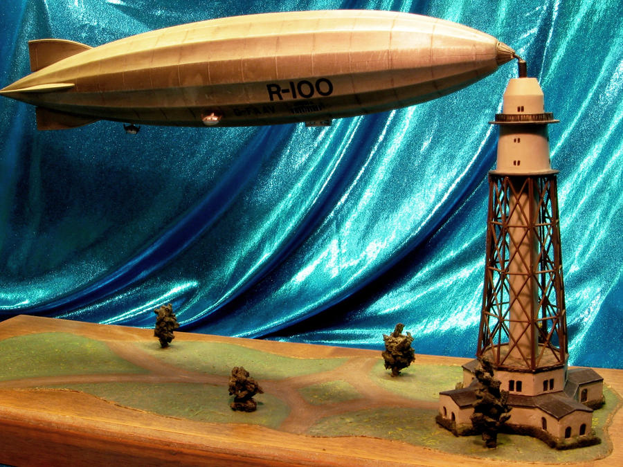 R-100 Airship With Mooring Mast by godzillabadger