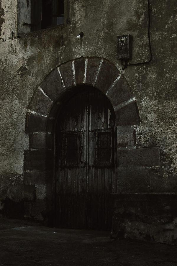La Casa Abandonada by Eternal-Dream-Art