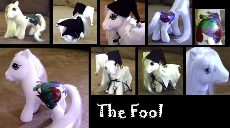 [Immagine: Customized_Pony__The_Fool_by_InvisiblePen.jpg]