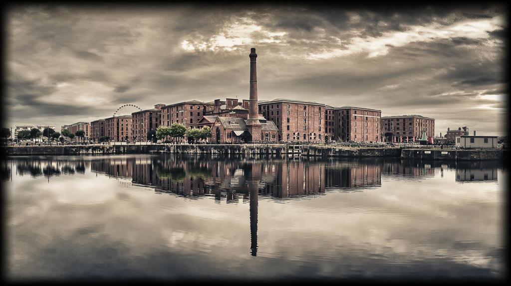 Albert Docks - Redux by woody1981