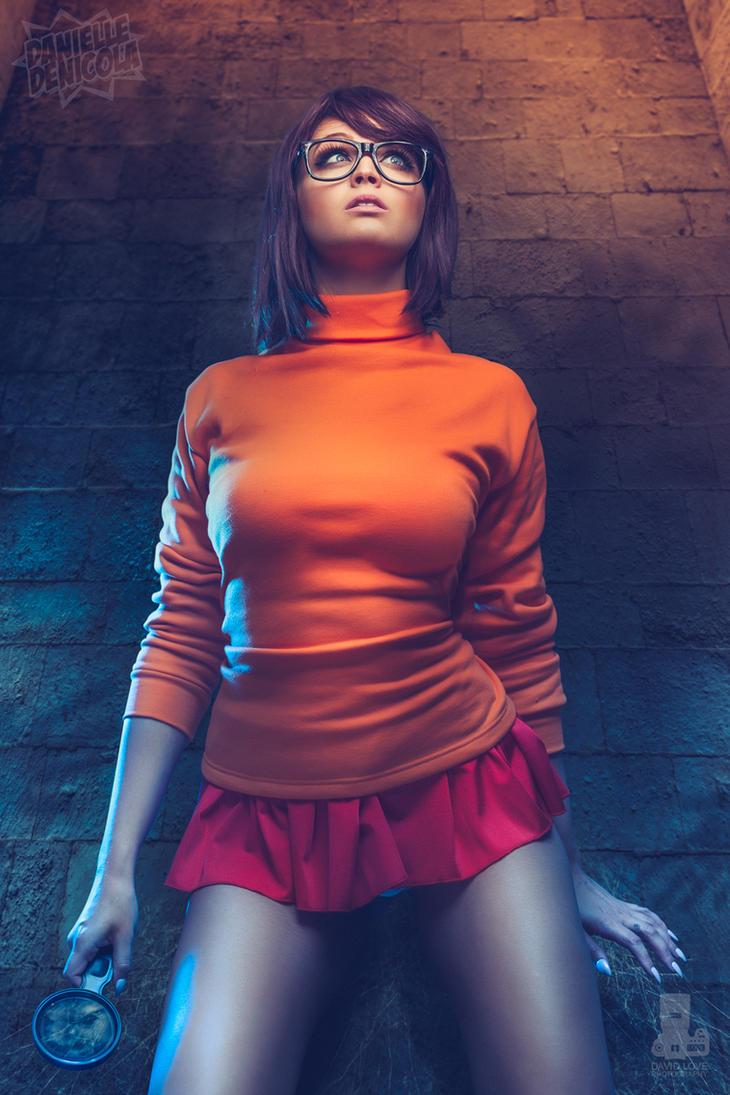 Velma Dinkley - Scooby Doo Cosplay by DanielleDeNicola