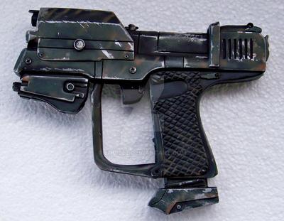 'hand-gun' halo by Eddie2B