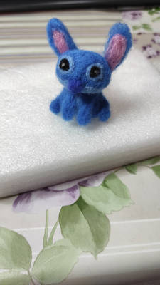 Stitch needle felting