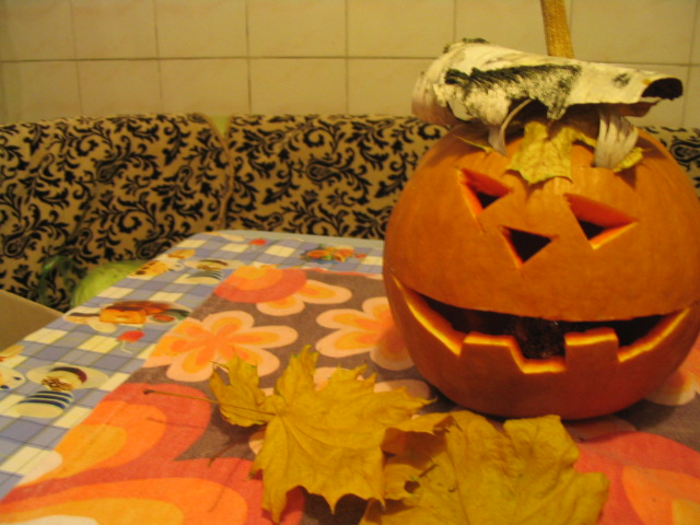Other pumpkin by lizathehedgehog