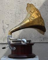 Gramophone4 by Susannehs