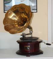 Gramophone7 by Susannehs