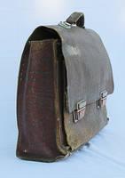 old schoolbag by Susannehs