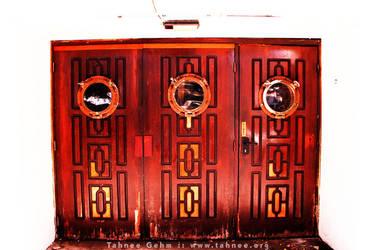 3 Red Doors by e-tahn