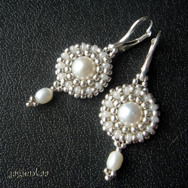 Pearl Tresures earrings by jagienkaa