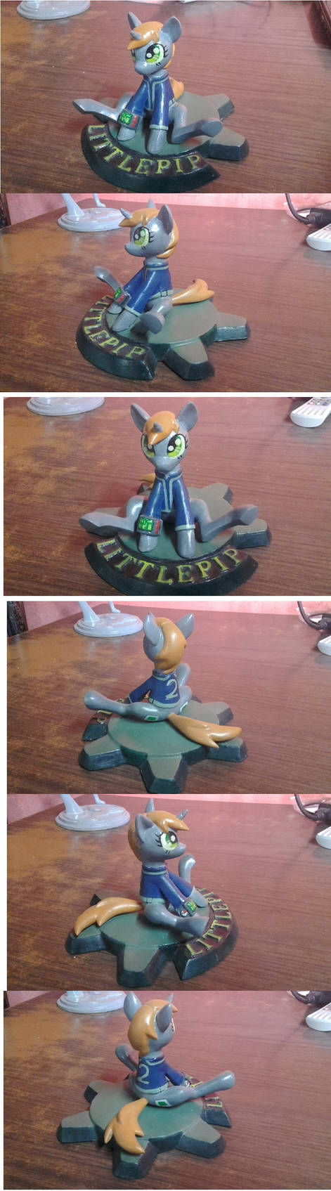 Littlepip finished sculpture comision